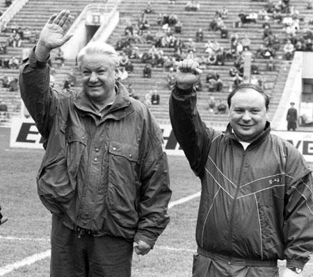 Ельцин и Гайдар гордятся победой над страной