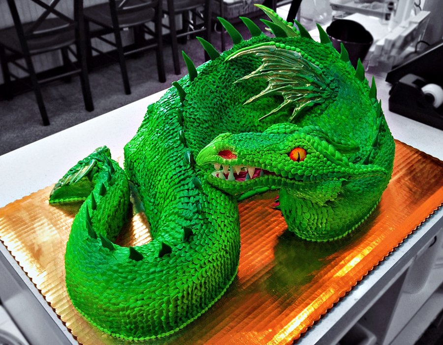green_dragon_cake_by_the_evil_plankton-d55innu