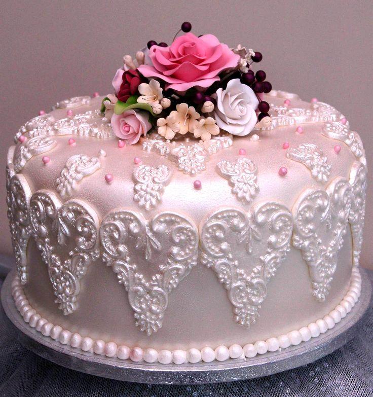b06b7fc4ad2ceda53880dc4d19b77178--pretty-cakes-beautiful-cakes