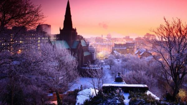 city_night_winter_sky_trees_85095_602x339.jpg