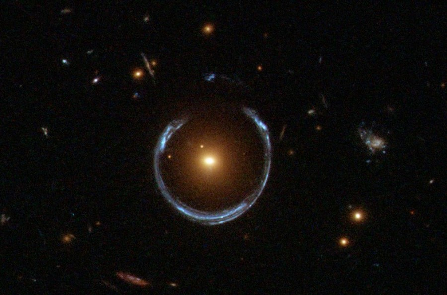 Hubble photographed a green space arc of J11561911, Einstein, galaxy, image, see, more, billions, Sometimes, clusters, Hubble, distant, multiple, astronomers, distortions, gravitational, Einstein, cross, duplicated, different