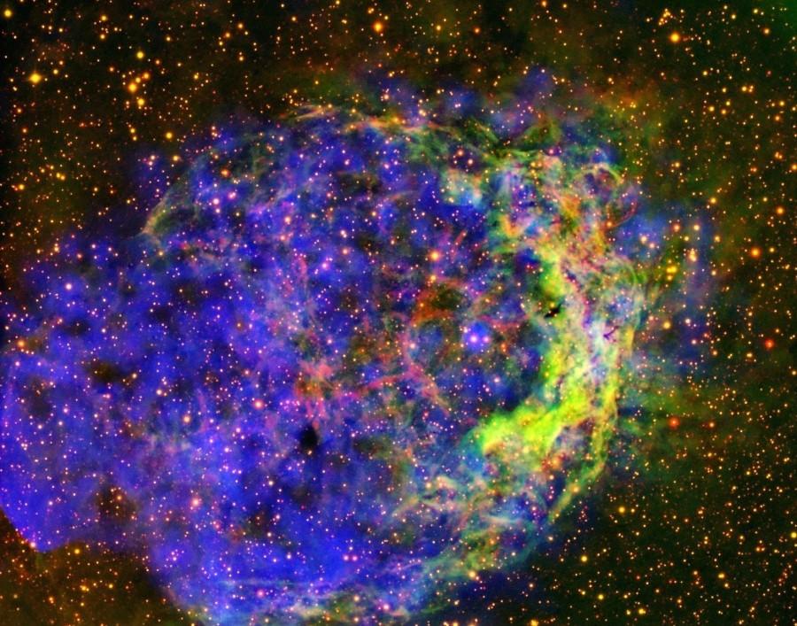Турбулентная туманность NGC 3199