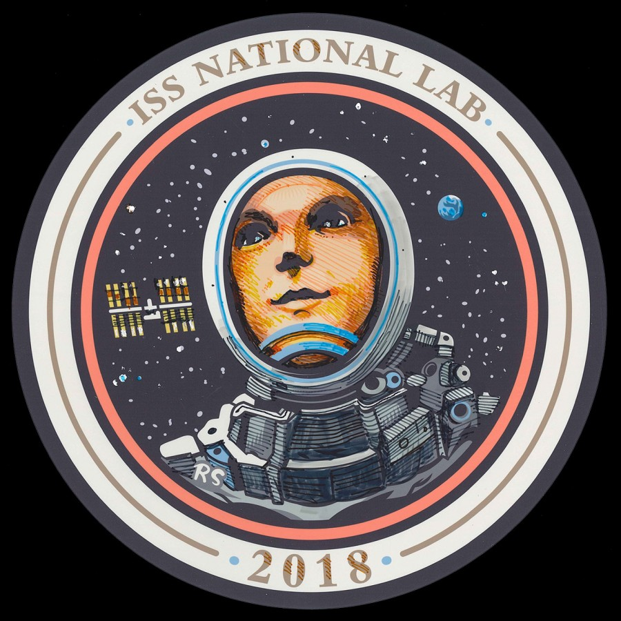 Ridley Scott has developed an emblem for the ISS opinion, CASIS, design, Center, humanity. It's worth, everything, good, service, courage, saints, you can compare, completely, space, conquerors, head, director, after, nimbus, figures