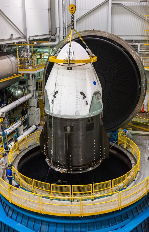 Manned Dragon completed the vacuum tests of Dragon, SpaceX, flight, of this, PlumeBrook, ship, board, space, test, first, crew, manned, about, station, new, scheduled, second, did, recall