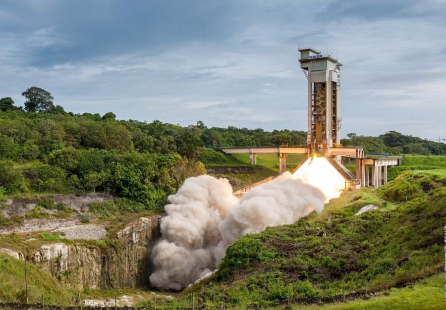 Испытание бокового ускорителя Ariane 6, мириады галактик от Herschel и Китай