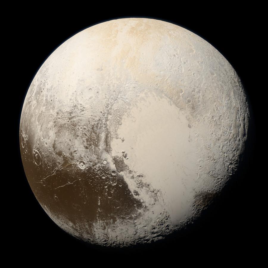 NASA показало «естественные» цвета Плутона и Харона