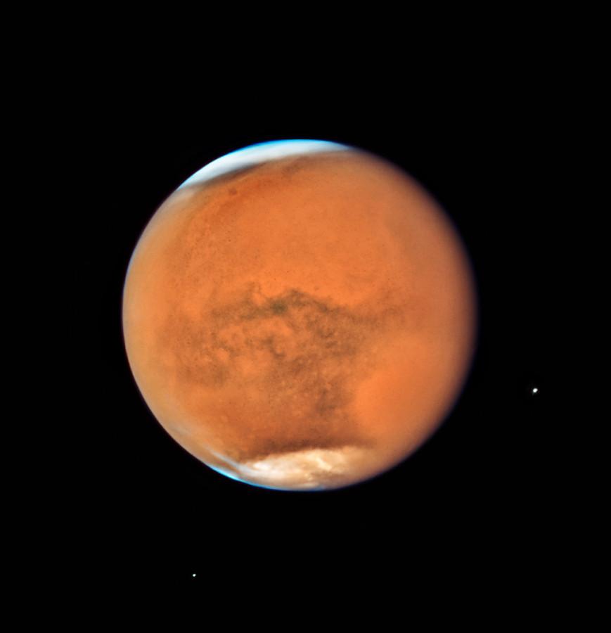 Телескоп «Хаббл» сфотографировал Марс и Сатурн