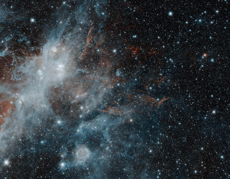 Телескоп Spitzer сфотографировал призрак погибшей звезды