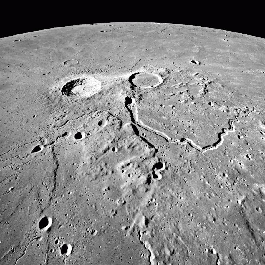 LRO сфотографировал кратер Аристарха кратера, Аристарха, снимке, кратер, частью, альбедо, является, различных, сложные, ученые, многие, 1960е, Неудивительно, поверхности, лунной, участка, этого, структуры, геологические, многочисленные