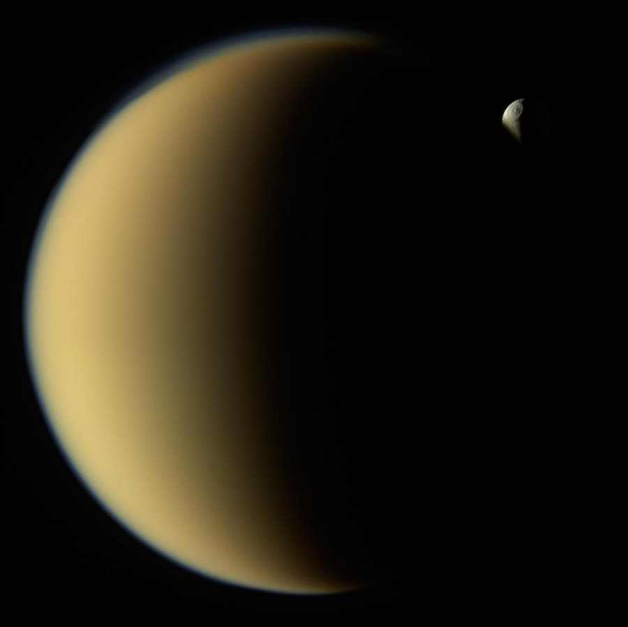 Тет-а-тет на орбите Сатурна