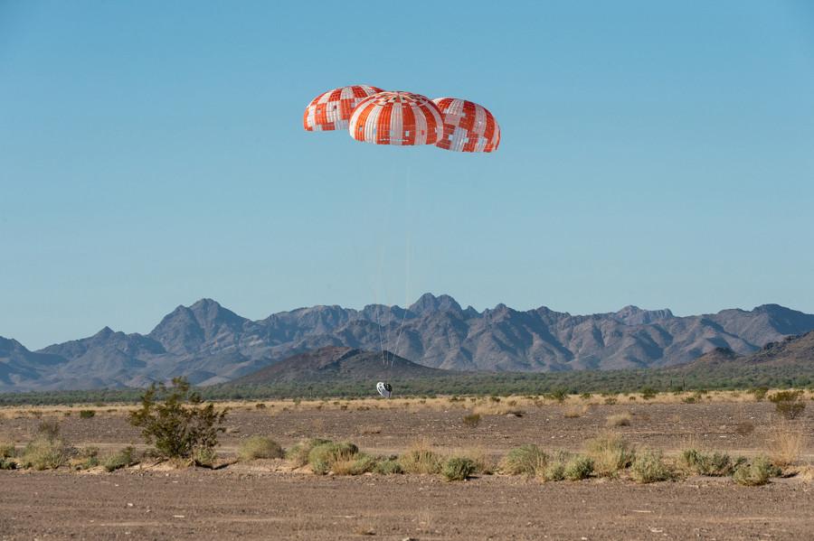 NASA завершило парашютные тесты капсулы Orion