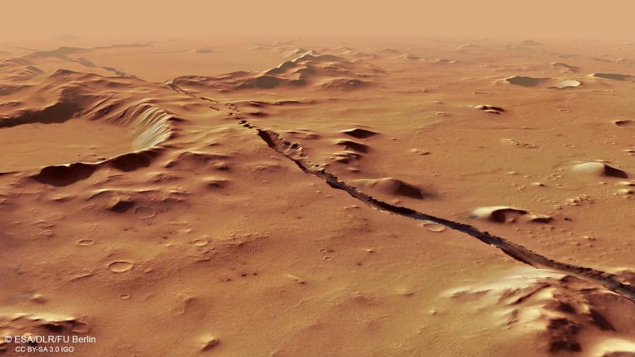 Mars Express сфотографировал следы недавней тектонической активности на Марсе