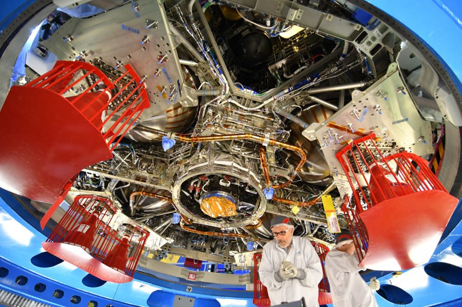 Завершена сборка служебного модуля корабля Orion