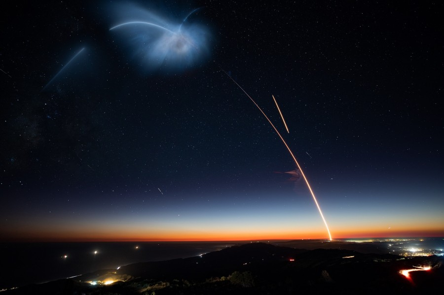 The first landing of the Falcon 9 on the west coast of the Falcon, successfully, rocket, stage, rather,B1048, landing, space, After, separation, Quiet, barges, autonomous, land, oceanV, previous, used, Then, Vandenberg, flew
