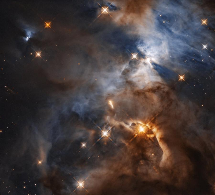 «Хабббл» заснял отбрасываемую звездой тень