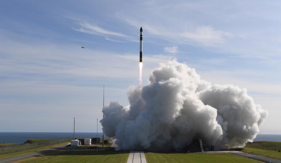 Rocket Lab осуществила первый коммерческий запуск компании, запуск, Electron, космических, орбиту, вывела, аппаратов, созданных, второй, спутника, CubeSat, Компания, Business, ракеты, Rocket, рамках, первый, декабре, состояться, финансируемой