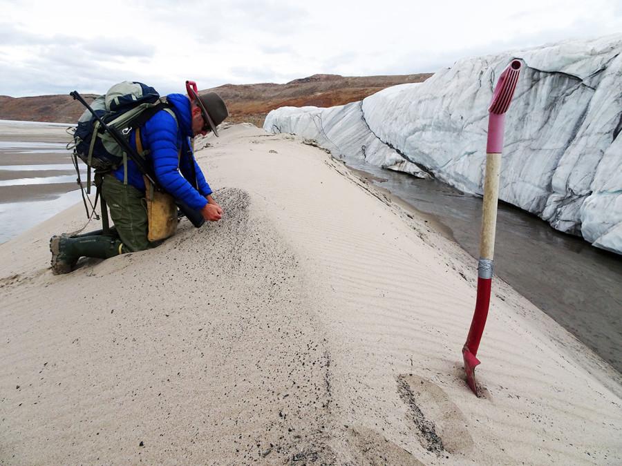 Под ледяным щитом Гренландии обнаружен крупный кратер кратера, время, кратер, очень, ученых, состояние, резким, астероида, крупного, должно, после, структуры, исследования, Земли, падения, оледенение, образования, учитывая, результате, ледяным