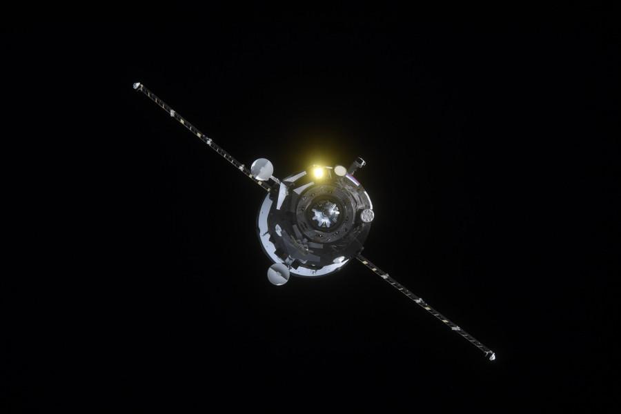 Запуск «Прогресс МС-10» из космоса