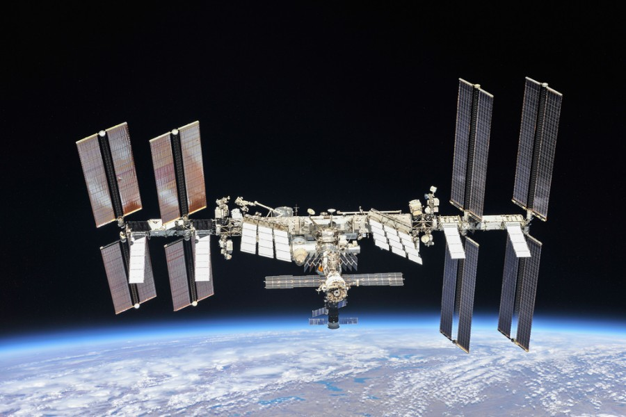Две орбиты МКС