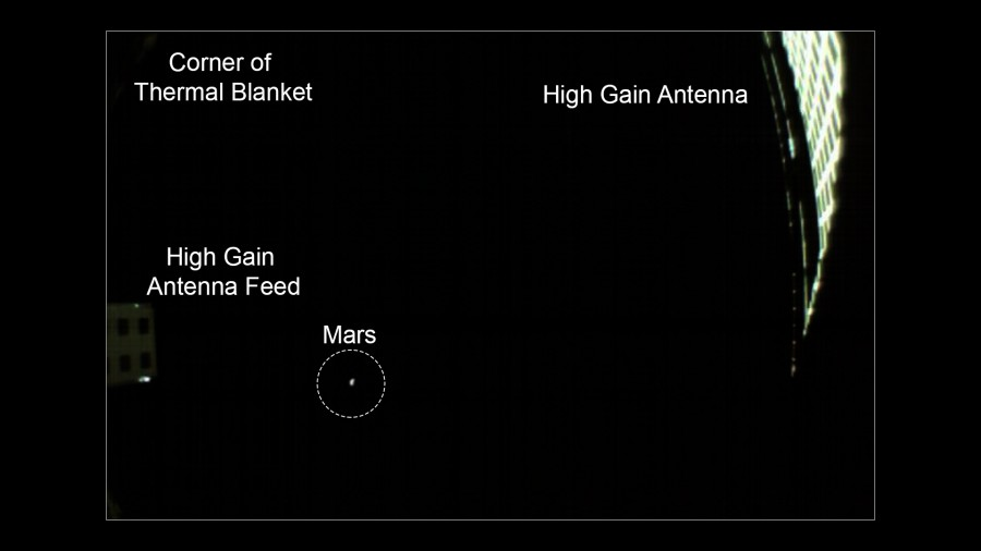 Кубсат MarCO сфотографировал Марс