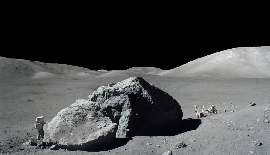 NASA выбрало девять частных компаний для доставки грузов на Луну