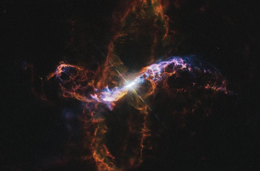 Очень Большой Телескоп сфотографировал систему R Водолея
