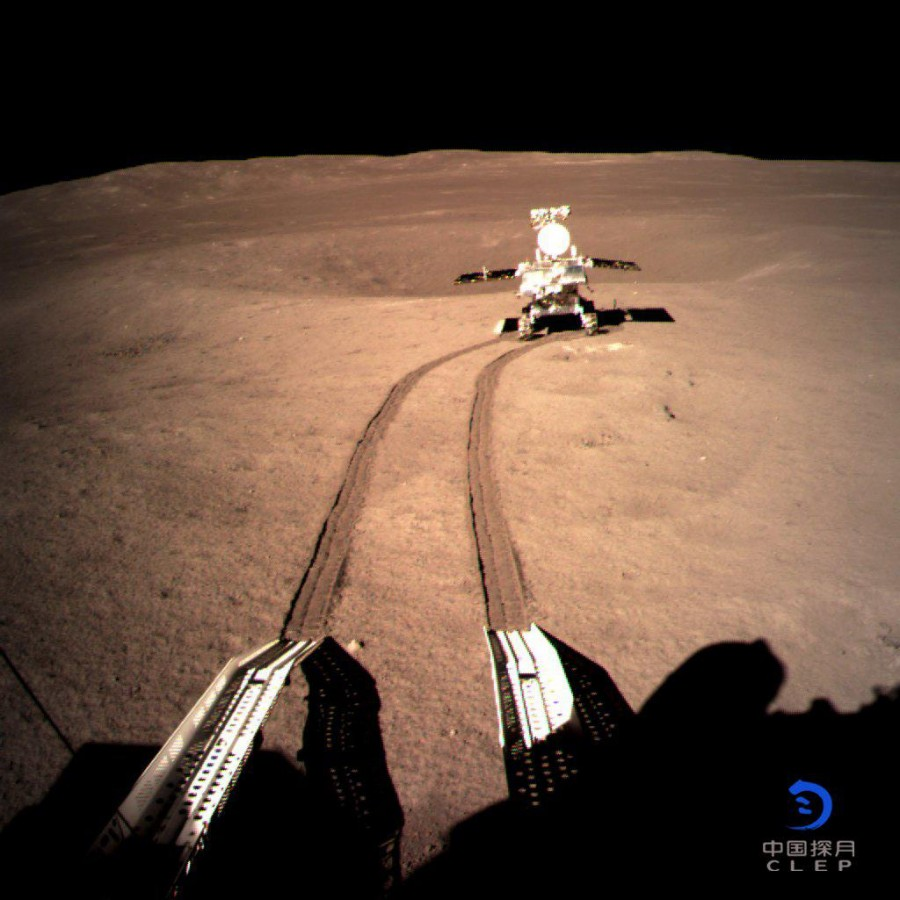 «Юйту-2» начал путешествие по Луне