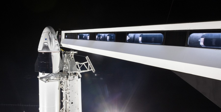 Dragon 2 на стартовой площадке мыса Канаверал Falcon, Dragon, орбитального, рамках, экспертов, полета, первого, корабля, несколько, будут, пребывает, момент, агентства, данный, будет, неоплачиваемом, необходимых, выполнение, процедурDragon, затрудняет