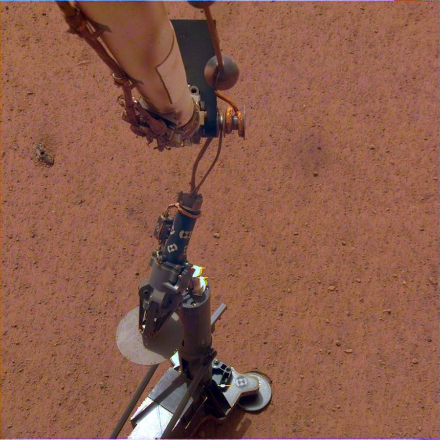 InSight установил на марсианскую поверхность инструмент HP3