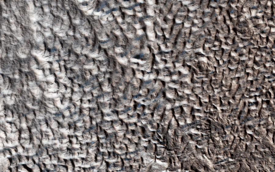 MRO сфотографировал «область мозга» на Марсе