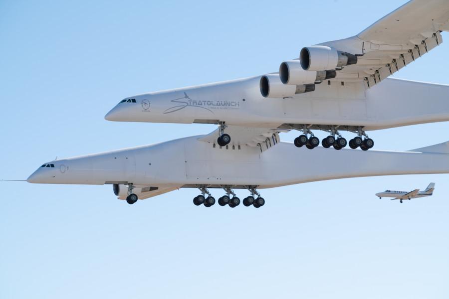 Stratolaunch совершил первый полет Stratolaunch, Model, платформа, является, составляет, орбиту, самолет, компания, самолета, носителей, околоземную, поднять, проекта, ракета, воздушного, низкую, сможет, Medium, стать, рассчитанная