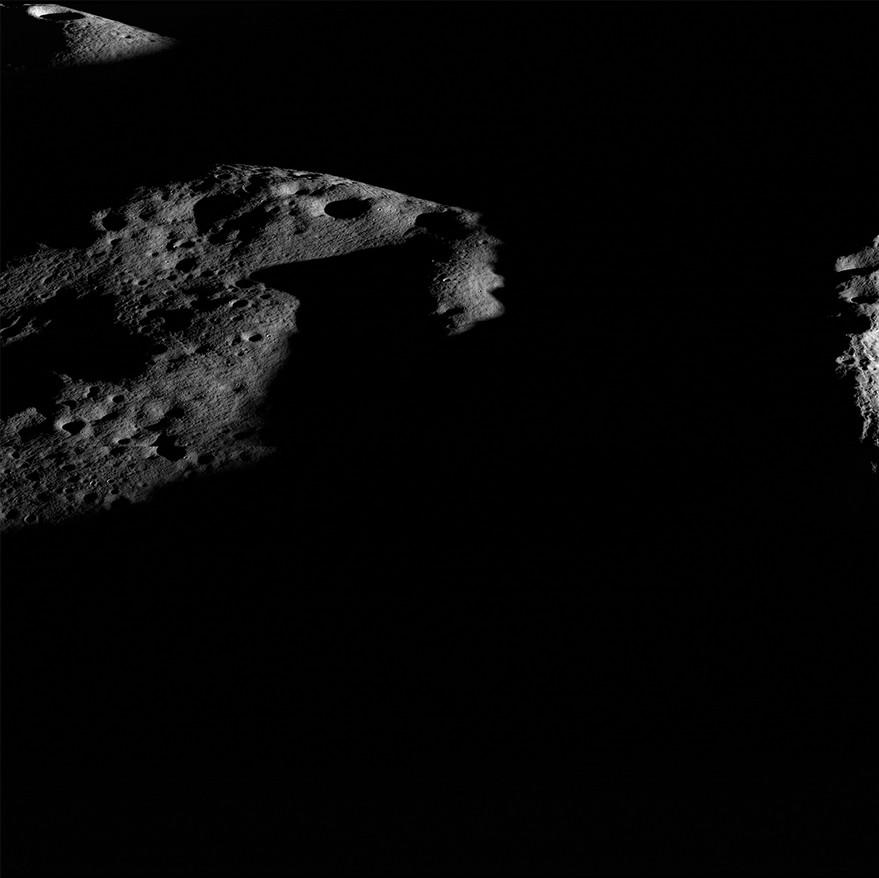 Маяки света на южном полюсе Луны лунных, Солнцем, участки, Шеклтон, отмечает, положение, кратеров, всего, также, вращения, спутника, постоянно, никогда, наклона, кратер, освещенных, водяного, почти, наиболее, Герлах