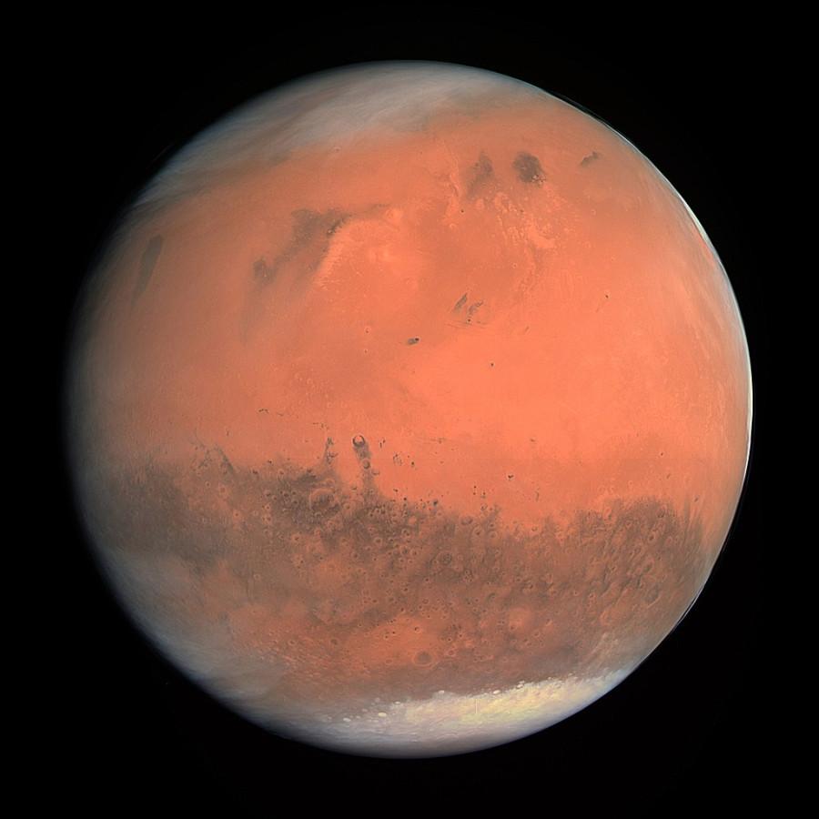 MRO обнаружил крупные залежи льда под северным полюсом Марса