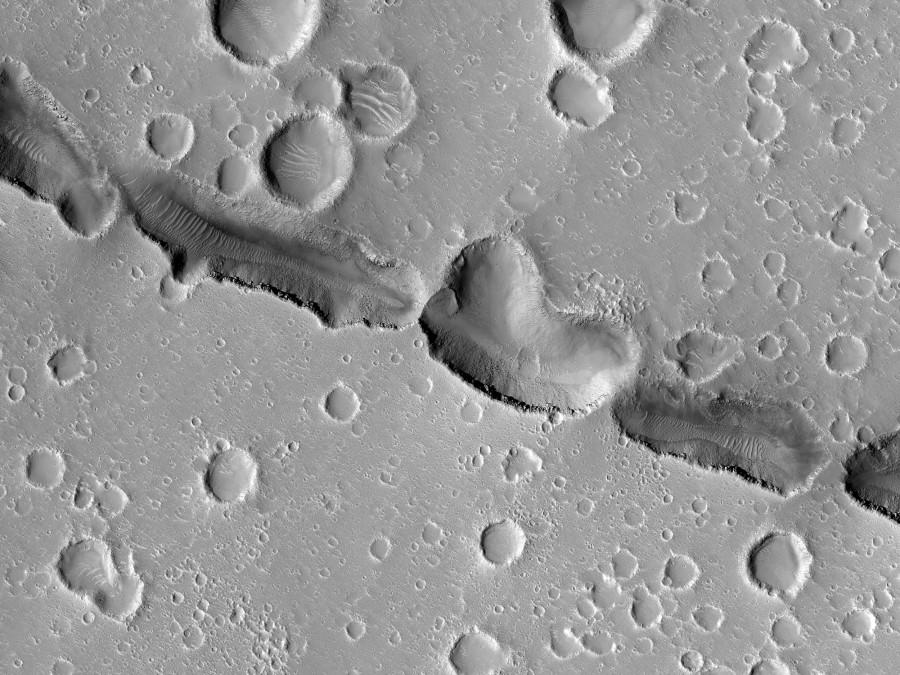 Борозды Гефеста глазами MRO