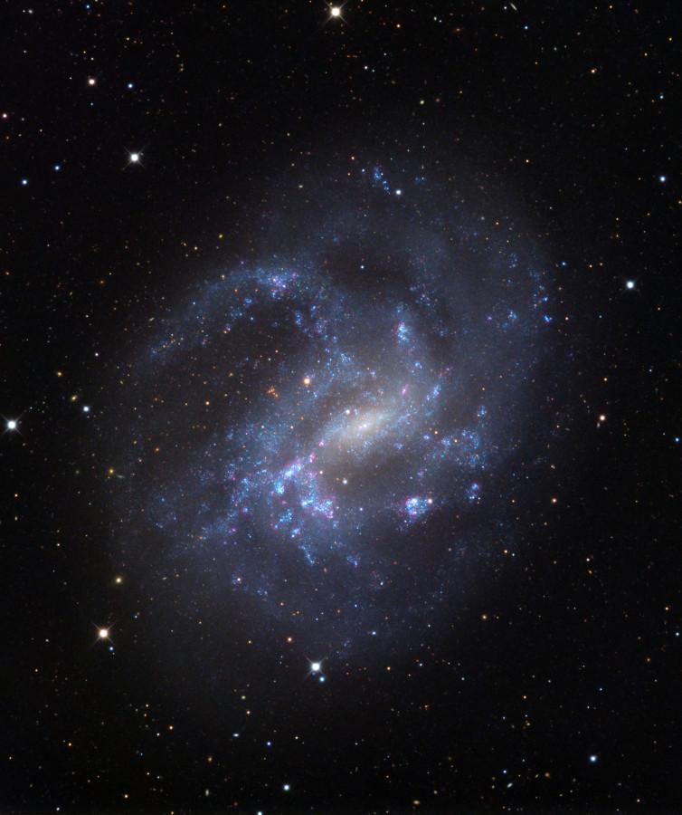 Черная дыра в центре в центре соседней галактики оказалась реликтом