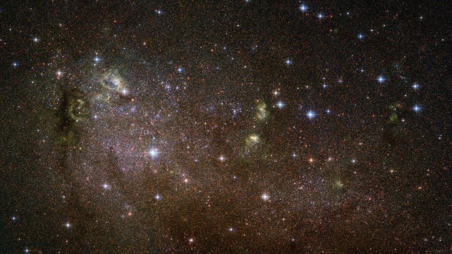 Неуловимая галактика IC 10