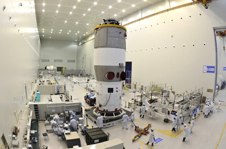 «Тяньгун-2» затопят 19 июля станции, «Тяньгун2», орбиты, «Тяньгун1», борту, течение, китайский, серию, создания, поддержания, хватило, топлива, имеющегося, принципе, станцииВ, орбитальной, обитаемой, постоянно, возможностями, стыковок