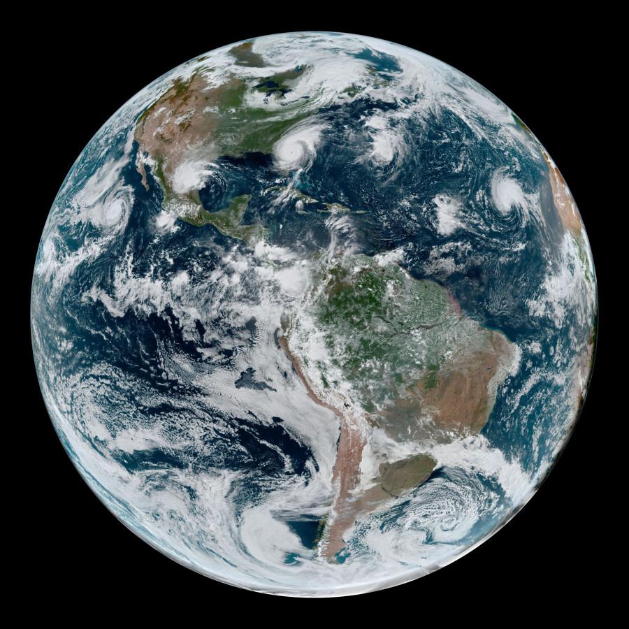 Четыре тропических циклона от GOES-16