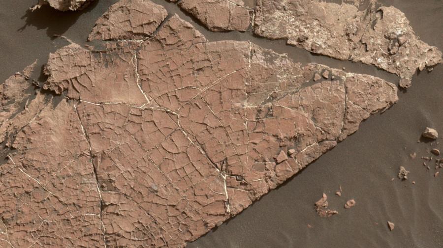 Curiosity нашел следы соляных прудов существовавших на дне кратера Гейла
