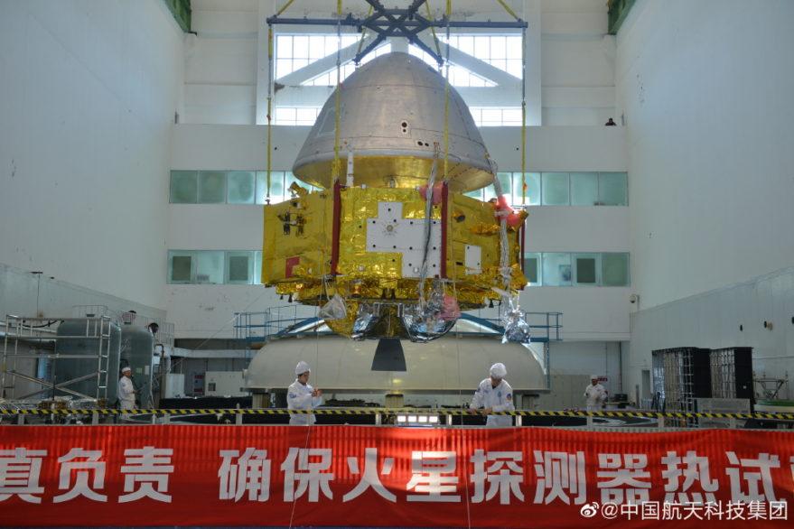 Китай приступил к транспортировке ракеты Long March 5 к месту запуска