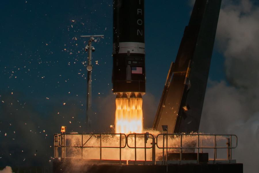 Rocket Lab готов начать вывод грузов на окололунные орбиты