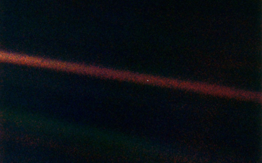 """""""New Horizons"""" broke one of the records of """"Voyager-1"""""""