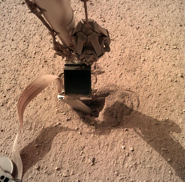 HP3 углубился в марсианский грунт