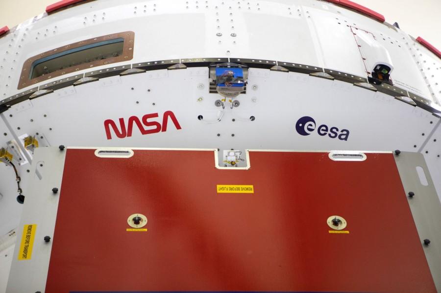 «Логотип-червяк» украсил боковой ускоритель SLS