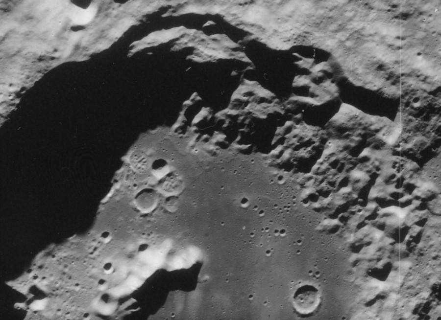 Луна глазами «Зонда-8»