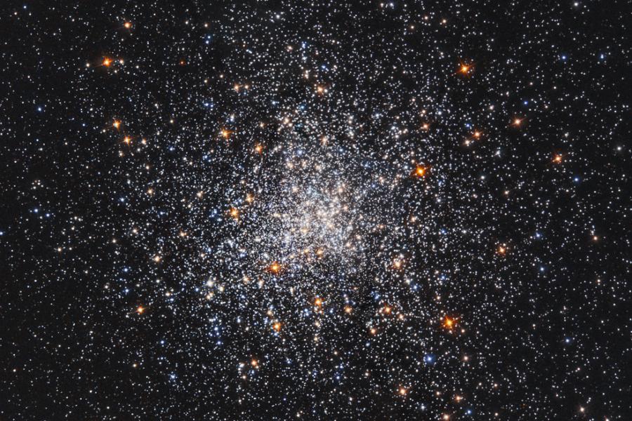 Шаровое скопление M79 глазами телескопа «Хаббл»