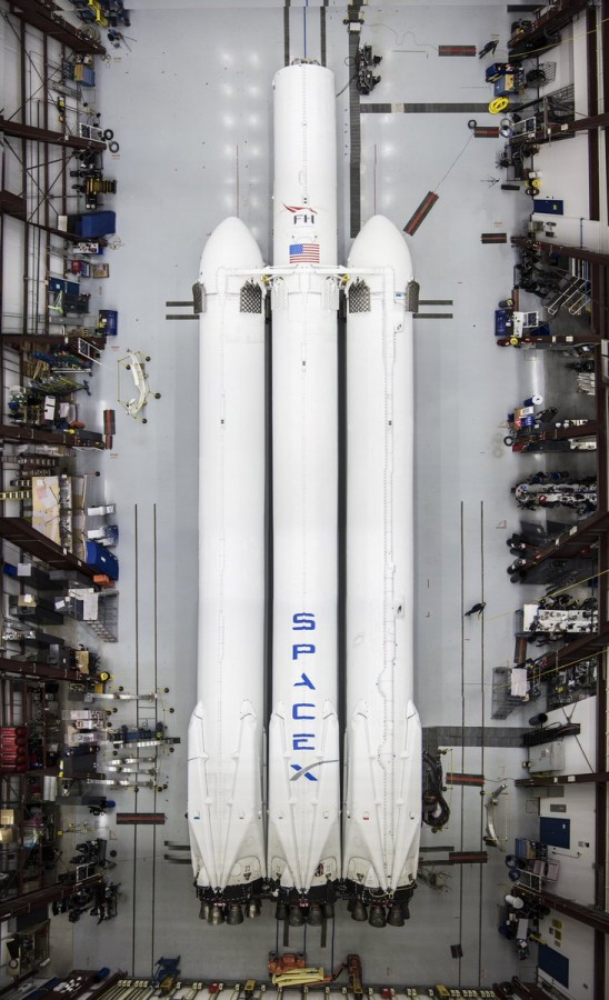Falcon Heavy на мысе Канаверал Falcon, Heavy, ракеты, SpaceX, будет, отправить, ступени, ракета, Tesla, качестве, орбиту, опубликовал, полезной, Roadster, автомобиль, размещен, борту, нагрузки, январе, заявил