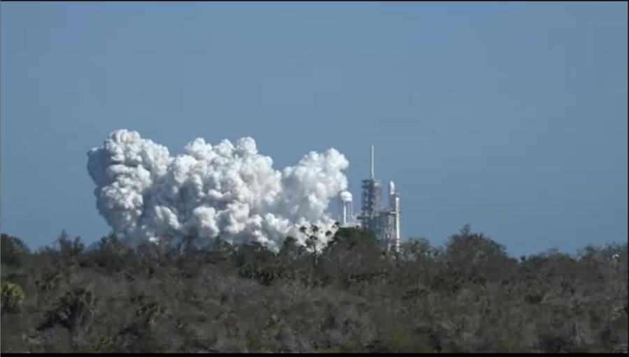 Осуществлен первой ступени Falcon Heavy