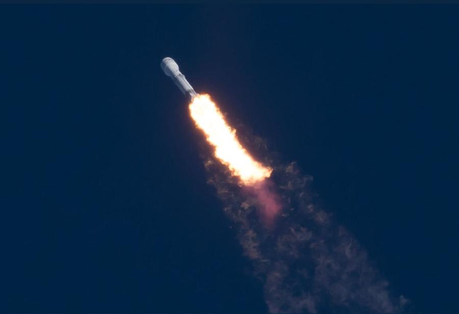 Первая ступень Falcon 9 пережила приводнение в океан