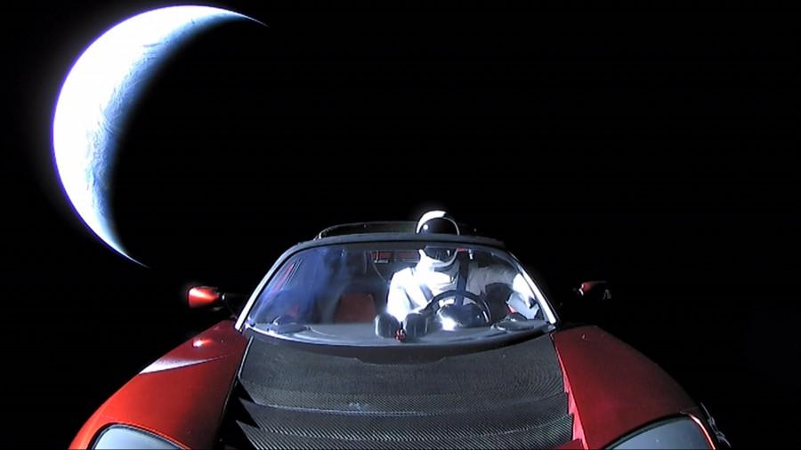 Где сейчас находятся Tesla и «Звездный человек»?